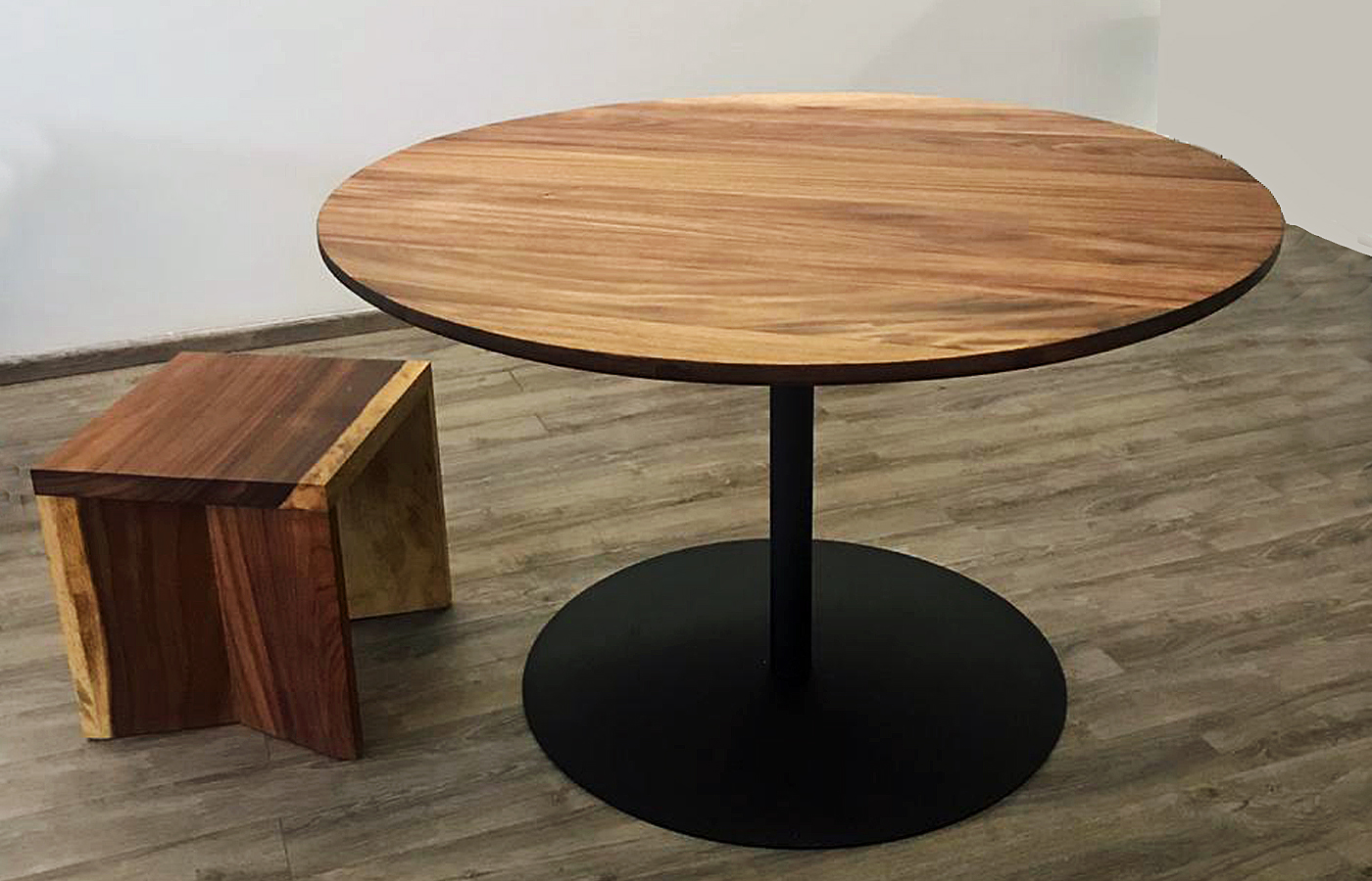 Modern Round Wooden Bar Table